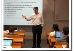 Roberto Saint-Malo en clase