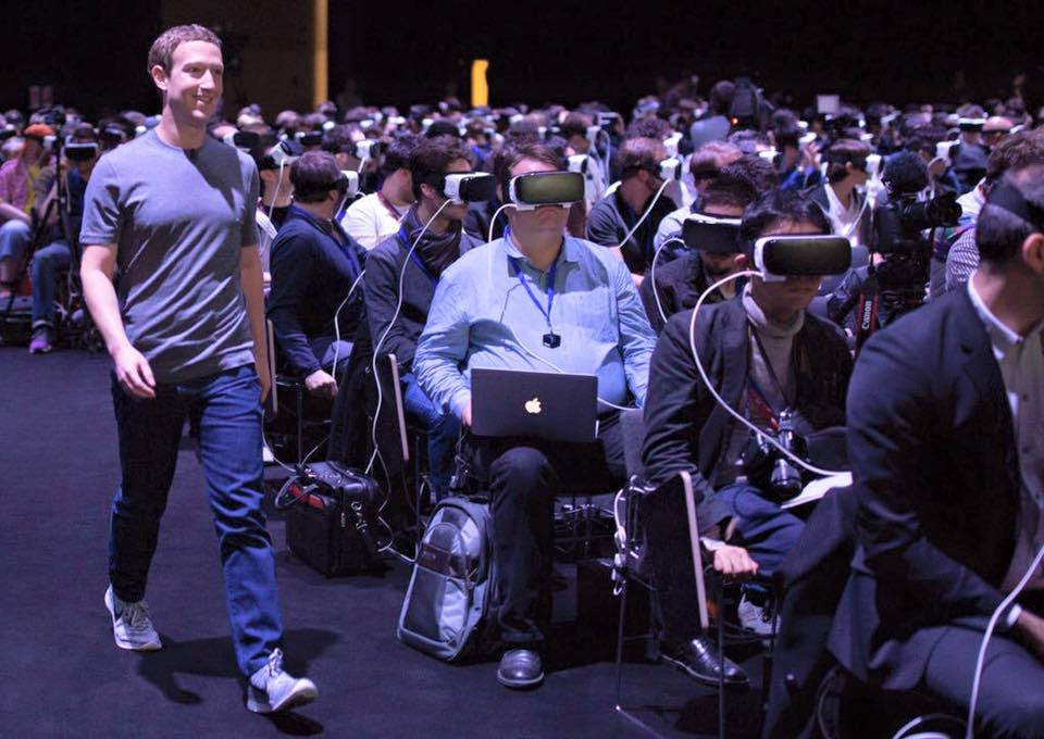 Mark Zuckerberg at MWC2016 (IMAGE: Brendan Trexler Iribe)