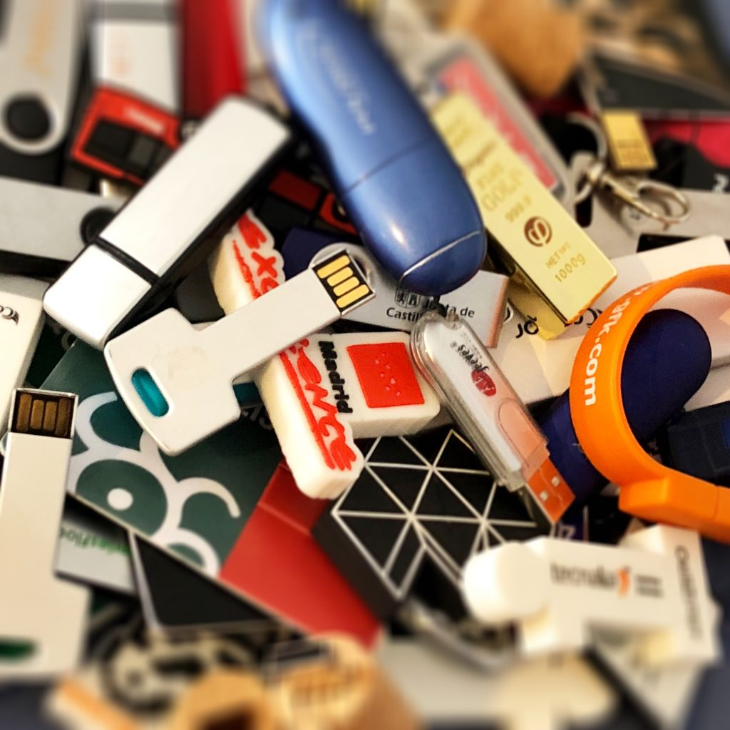 USB Flash drives (IMAGE: EDans)