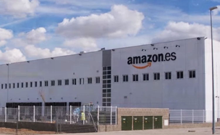 IMAGE: Amazon warehouse in San Fernando de Henares